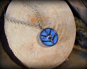 Viking shield: Lagertha - polymer clay jewelry and antique bronze metal chain. Hammered effect - handmade - jewelry viking