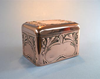 Beautiful Art Nouveau copper casket by Carl Deffner Germany jewellery trinket box circa.1900-1910