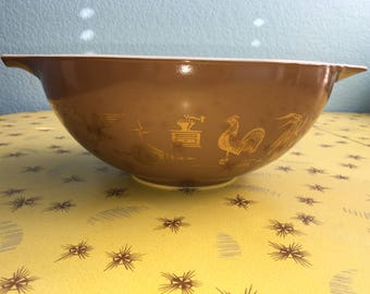 Vintage Pyrex 444- Early American Mixing Bowl