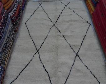 White Beni Ouarain : Moroccan Rug