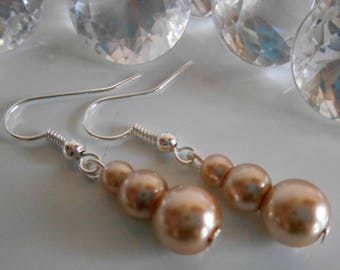 Trio of beige pearls wedding earrings