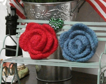 Pattern Felted Red Rose Knitted