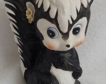 Cute Small Skunk Piggy Bank Coin Bank Figurine