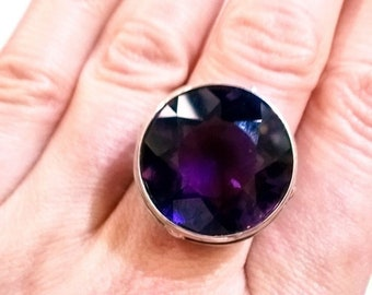 "Natural Amethyst Ring ""Viola"""