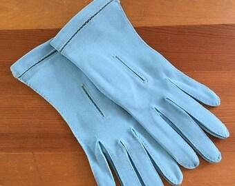 30% Off Sale Vintage Robin's Egg Blue Wrist Gloves, Size XS