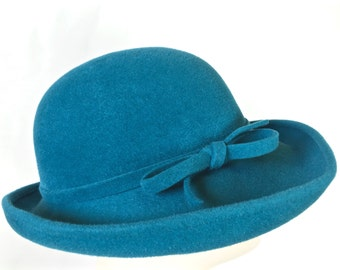 Turquoise Fur Felt Women's Cloche Hat, Gatsby Hat, Downton Abby Hat, Vintage Inspired by Makowsky Millinery
