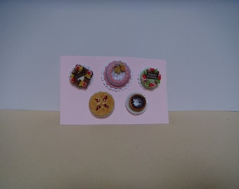 A set of 5 miniature cakes and pies.