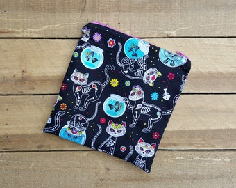 Skull kitties zippered bag, multi purpose wet bag, sandwich snack bag, cosmetic toiletry bag, back to school, momma cloth bag, school lunch