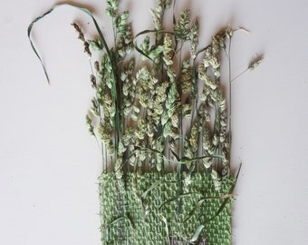 Forever Flora, Grass Flower Weave. / Hand Woven Wall Hanging Art  / Natural Floral Decor / Green & Purple