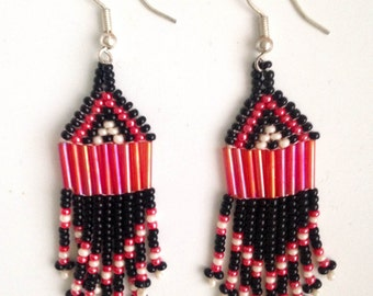 MADE IN AFRICA beaded bohemian earrings// black & red