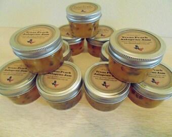 Mini Mason Jar WEDDING FAVORS!  Jam, Jelly, hostess gifts, shower favors
