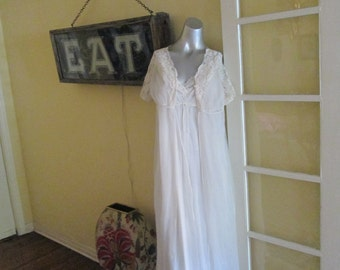 Vintage Peignor Set / White Double Layer Chiffon Sheer Gown And Robe By Raddcliffe