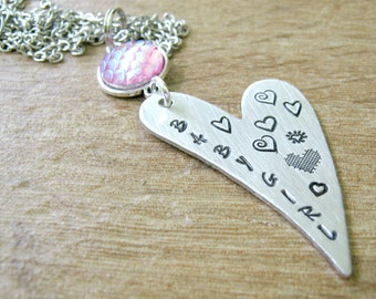 Daddy's Babygirl Necklace, Pink Mermaid Scales, Babygirl Heart Necklace, Pink DDlg necklace, DDlg gift, MDlg necklace, MDlg gift, Long heart