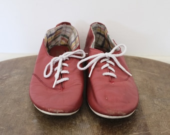 Vintage Bass Brand Red Leather Lace Up Oxford Flats - womens 8