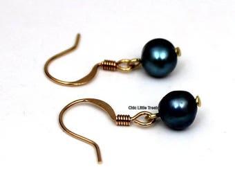 Bluish Black Freshwater Pearl Earring