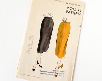 Vintage 1950s Womens Slim Skirt Vogue Sewing Pattern 7126 Complete / waist 24 hip 33 / Diagonal Outside Stitched Darts