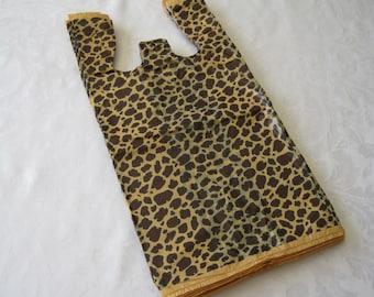 50 Plastic Bags, T Shirt Bags, Tee Shirt Bags, Cheetah Leopard Animal Print, Bags with Handles, Gift Bags, Shopping Bags, Favor Bags 8x16