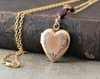 Gold Heart Locket, Gold Locket Necklace, Vintage Locket Pendant, Garnet Necklace, January Birthstone Locket, Gold Photo Locket, Push Present