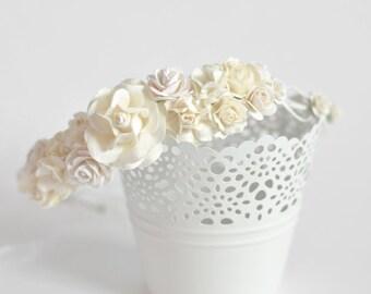 White woodland flower crown Flower crown wedding Cream white flower crown Woodland wedding Halo Circlet, Ivory Rose floral crown Boho crown