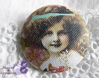 Button retro girl cloth, 40 mm / 1.57 in diameter