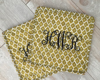 Vintage Gold Monogrammed Potholder Set - Set of 2 - Hot Pads - Pot Pads - Bridal Gift - Shower Gift - Birthday Gift - Hostess Gift