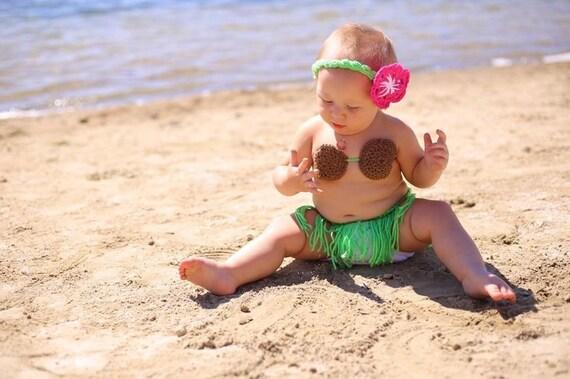 Crochet hula costume . Baby hula costume . hula girl costume . Crochet coconut bra. Crochet Baby costume. Crochet Costume  sc 1 st  Etsy & Crochet hula costume . Baby hula costume . hula girl costume .
