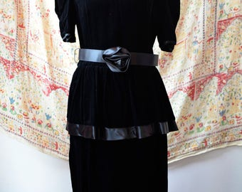 80s Does 50s Vintage Black Rose Velvet Dress by Opening Night