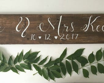 Wedding Name and Date sign - Rustic Wedding Name and Date Sign - Wedding Signage - Wooden Wedding Sign - Wedding Photo Prop - Calligraphy