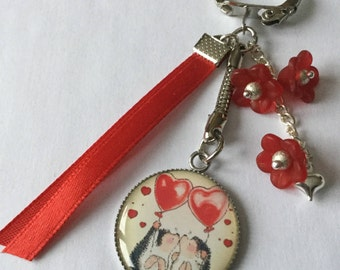 """Door keys """"love"""" Valentine's day, ribbons and red flowers cabochon resin pair of hedgehogs"""