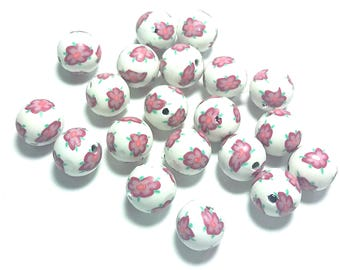 25 Fimo Polymer Clay Round Beads white flowers beads 12mm