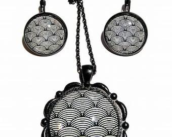retro set black white vintage pendant with geometric mothers