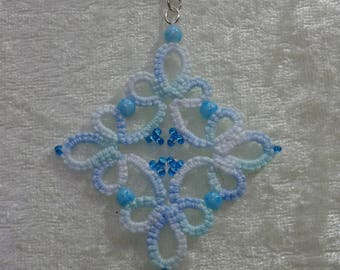 Tatting pendant and beads