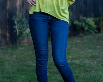 Damiana Casual blouse with a naked shoulder, Top, light green, handmade, jersey