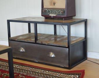 Cabinet industrial vintage tv