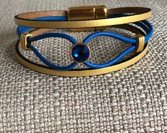 Leather bracelet with zamak and Swarovski crystal slider and magnetic clasp.