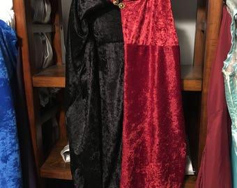 Daenerys' Red & Black Cloak - Game of Thrones Cosplay