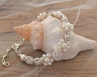 Wedding pearl bracelet Ivory wedding bracelet Bracelet for bride Bridal jewelry Silver bracelet Romantic wedding Statement bracelet Wedding