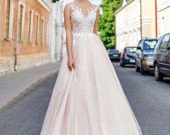 Soliaris. Wedding dress , fairy wedding dress, vintage style wedding dresses, wedding gowns, bride dresses