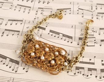 French Vintage assembledge bracelet gold filigree broach