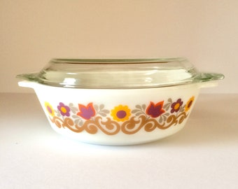 1970s Pyrex Briarwood 2 Pint Casserole Dish With Lid