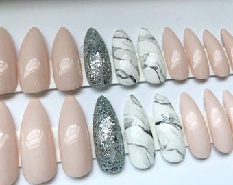 LINDA // press on nails // nude, glitter, marble