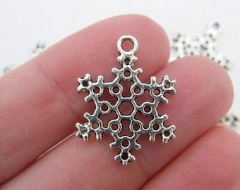 8 Snowflake charms antique silver tone SF20