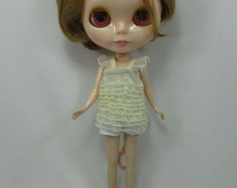 Handmade clothing a top layer blouse for Blythe,Pullip doll  A-17