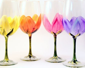 Tulips Wine Glasses Set of 4, Hand Painted Glasses, Stemmed Glass, Mother's Day, Wine Lover, Gift for Wife Mother's Day, Gift for Women