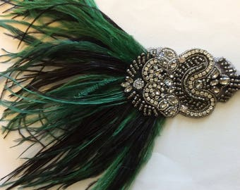 Green 1920s headband, green great gatsby headband, Hunter green feather fascinator, dark green flapper headdress, ostrich green Art Deco