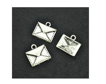 SET of 5 envelope message (B99) silver letter charm