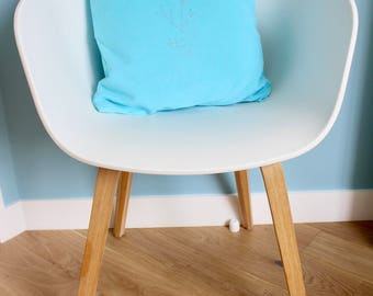 Turquoise blue cushion cover with vegetal decoration - chic interior decoration - 40x40 dimension