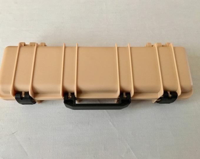 Tactical Rifle Pen Box in Desert Tan (beige), black or Green (pen not included)