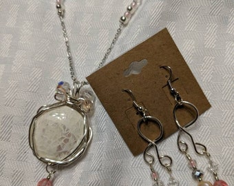 Glass stone necklace, earrings, and bracelet