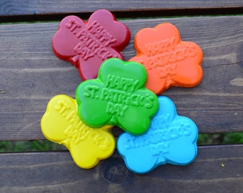 Happy St. Patrick's Day Crayons set of 10 - St. Patrick's Day Crayons - Classroom Party Favors - St. Patrick's Day Party Favor - Party Favor